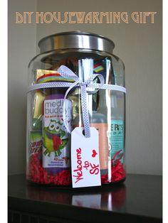 Simple & Chic Housewarming Gift in a Jar #diy
