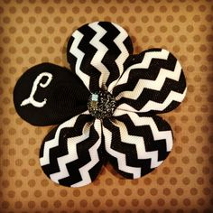 Boutique Bows, Navy And White, Hair Bows, Chevron, Hair Accessories, Trending Outfits, Unique Jewelry, Handmade Gifts, Flowers