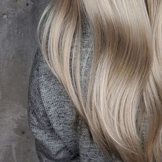 46 ideas hair color ombre blonde balayage summer haircuts for 2019 Ombre Hair Color, Hair Color Balayage, Cool Hair Color, Blonde Balayage, Blonde Dye, Best Hair Stylist, Layered Hair With Bangs, Hair Trends 2018
