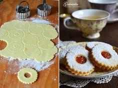 Gabriella kalandjai a konyhában :): A legomlósabb linzer Hungarian Cookies, Hungarian Desserts, Hungarian Cake, Hungarian Recipes, Cupcake Recipes, Cookie Recipes, Dessert Recipes, Gourmet Recipes, Baking Recipes
