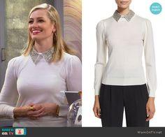 Caroline's off-white sweater with silver collar on 2 Broke Girls.  Outfit Details: https://wornontv.net/64728/ #2BrokeGirls