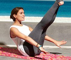 Yogatight für 9,95€ - Diese Yogatight liegt nah am Körper und bietet ohne störende Seitennähte einen hohen Tragekomfort. Sie ist ebenso atmungsaktiv wie feuchtigkeitstransportierend und lässt sich dank der Bündchen mit Fersenaussparung mit und ohne Fußstulpe tragen.