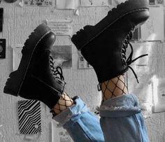 Egirl Fashion, Tomboy Fashion, Grunge Fashion, Sneakers Fashion, Fashion Shoes, Fashion Outfits, Thrift Fashion, Korean Fashion, Trendy Fashion