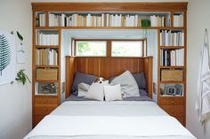 This Tiny, 362-Square-Foot Beach Cottage Is BIG On Style  #refinery29  http://www.refinery29.com/whitn