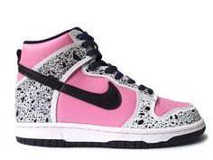 Nike high tops, black and pink Nike Hi Tops, Original Air Jordans, Nike Flyknit Racer, Nike Runners, Nike Boots, Nike Kicks, Sports Footwear, Nike Leggings, Nike Shoes Cheap