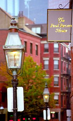 Paul Revere House 	 - 19 N Square  Boston, MA 02113 (617) 523-2338 - Hours: Open Daily April 15 - October 31 - 9:30 am to 5:15 pm