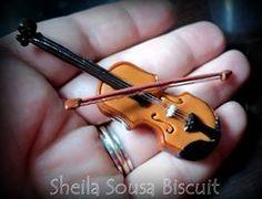 Miniatura de violino em biscuit Violin miniature cold porcelain Sheila Sousa Biscuit