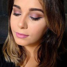 VÍDEO NOVO NO CANAL! ❤  Temos tutorial de maquiagem lá no canal, maquiagem com mais uma cor do ano, o rosa quartzo, vai lá >>> https://m.youtube.com/watch?v=GZzlRtpj8rM  Lista de produtos usados no blog:  http://meninasmodaeetc.blogspot.com.br  Link clicável no perfil do insta!  #VídeoNovo #MakeRosaQuartzo #RosaQuartzo #Make #Makeup #AmoMaquiar #MakeRomantica #AmoMaquiagem #BatomRosa #Lipstick #Blogger #Maquiagem #PinkLips #ByMonik #Maquiagem #CorDoAno #AmoMeuTrabalho #BloggerAju…
