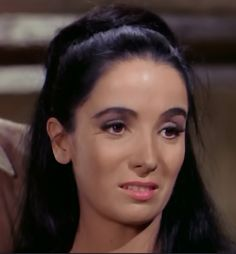 Linda Cristal als Victoria Cannon Classic Actresses, Actors & Actresses, Old Western Movies, The High Chaparral, Tv Westerns, Vintage Tv, Female Stars, Thing 1, Full Episodes