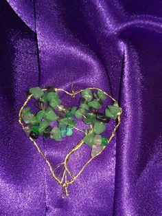 Inima din sarma aurita si pietre semiprețioase