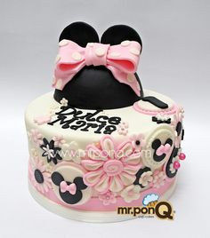 Minnie on Pinterest  Minnie Mouse Cake, Minnie Mouse and Torte