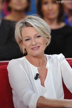 Sophie Davant - Enregistrement de l'emission Vivement Dimanche à Paris le 12 décembre 2012.