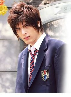 It's honestly unfair how handsome Yuu Shirota is. Not to mention he's talented and kind. Such a nice combo. Asian Men Hairstyle, Asian Hair, Undercut Hairstyles, Straight Hairstyles, Cool Hairstyles, Hanazakari No Kimitachi E, Low Maintenance Haircut, Korean Shows, Typical Girl