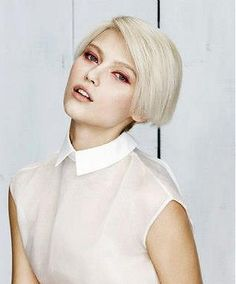 A short blonde straight coloured side-parting white platinum womens hairstyle by Z.One Concept