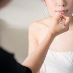 すべての瞬間を思い出に♡女優気分になれちゃう『お支度ショット』のシャッターチャンスまとめ* | marry[マリー] Bride Poses, Bridal Photoshoot, Wedding Album, Wedding Pictures, Scene, Quotation, Wedding Dresses, Pretty, Instagram