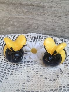 Vintage Bee Salt and Pepper Shakers. via Etsy.