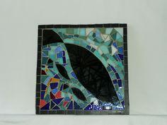 Tableau miroir en mosaïque poisson sur fond bleu : pièce unique fabriquée à la main. Décorations murales par signature-mosaique