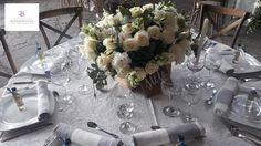 Lindo centro de mesa, San Miguel de Allende, Gto.  www.bougainvilleasanmiguel.com.mx Foto: Ernesto Morales #destinationweddings #sanmigueldeallende.#Guanajuato #weddingsmexico