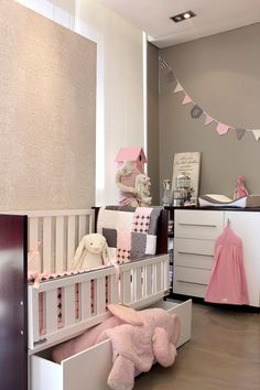 Glam Baby South Africa - Touches of pink with Contemporary Cot