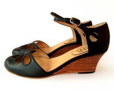 Black Pie Taco  Sandal in black leather  Handmade in by QuieroJune