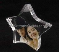 Clear acrylic five pointed star shaped photo frame Acrylic Picture Frames, Magnetic Picture Frames, Acrylic Box, Clear Acrylic, Plexiglass Frames, Acrylic Display Stands, Photo Booth Frame, Star Pictures, Photo Displays