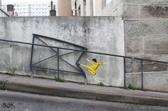 Funny pictures about Bruce Graffiti Rocks. Oh, and cool pics about Bruce Graffiti Rocks. Also, Bruce Graffiti Rocks photos. 3d Street Art, Street Art Utopia, Amazing Street Art, Street Art Graffiti, Street Artists, Oak Street, Street Work, Paris Street, Saint Etienne