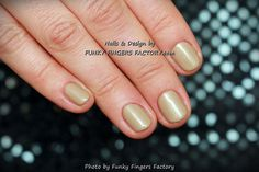 Gelish Taupe Model on short nails by www.funkyfingersfactory.com