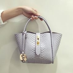 34.78$  Buy here - https://alitems.com/g/1e8d114494b01f4c715516525dc3e8/?i=5&ulp=https%3A%2F%2Fwww.aliexpress.com%2Fitem%2Ffamous-designer-purses-and-handbags-2016-name-brand-handbags-women-handbag-china-famous-brand-logo-crocodile%2F32709586141.html - famous designer purses and handbags 2016 name brand handbags women handbag china famous brand logo crocodile pandora bag luxury