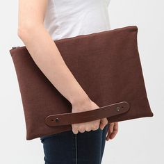 Laptop Sleeve brown / Case / Bag / Pouch with Leather Strap / Handles - Hold Your Dream