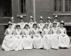 """Continuing the Shorpy Group Portrait Weekend, we have this circa 1910 Harris & Ewing glass negative titled """"Providence Hospital nurses Vintage Photographs, Vintage Photos, Antique Pictures, Providence Hospital, Island Hospital, Nurse Photos, Providence Rhode Island, Hospital Photos, Vintage Nurse"""