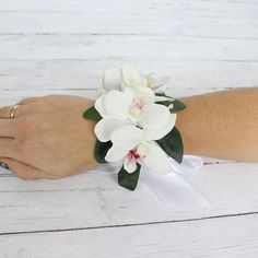 Pildiotsingu shabby chic simple white and green wrist corsages tulemus