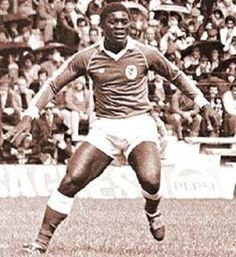 SLB - Reinaldo: de 1978 a 1982, 116 jogos, 59 golos, 1 campeonato e 2 Taças de Portugal.