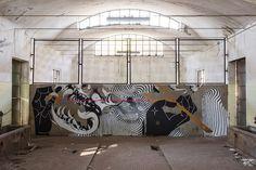 2501 x Basik x Zamoc New Mural In Rimini, Italy Community Project Ideas, Street Art News, Urban Art, Animated Gif, New Art, Graffiti, Black And White, Abstract, Gallery
