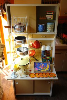 Lovely collection of vintage goodies.