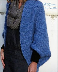 Le jour où j'aurais le temps de tricoter pour moi... Crochet Poncho, Knitted Shawls, Knit Jacket, Knit Cardigan, Modelos Fashion, Lace Knitting Patterns, Yarn Inspiration, Lana, Knitwear