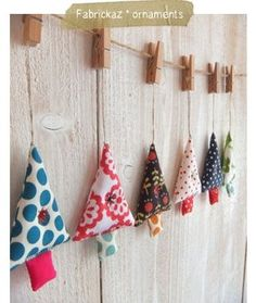 garland idea note the clothespin hangers.just switch out the seasonal ornaments Christmas Tree Garland, Felt Christmas Decorations, Xmas Tree, Tree Decorations, Christmas Makes, Christmas Holidays, Christmas Projects, Holiday Crafts, Fabric Crafts