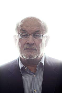 'Dos años, ocho meses y veintiocho noches': Salman Rushdie, la eterna polémica | EL PAÍS Semanal | EL PAÍS El escritor indio Salman Rushdie. / PASCAL PERICH Salman Rushdie, Good People, Writers