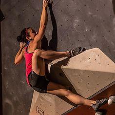 Professional competitive Rock Climber, Nina Williams – Gnarly Nutrition #rockclimbing #bouldering #Climbing