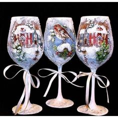 Decorated Wine Glasses, Painted Wine Glasses, Christmas Decoupage, Christmas Crafts, Wooden Christmas Decorations, Jelly Roll Quilt Patterns, Wine Glass Crafts, Bottle Painting, Christmas Paintings