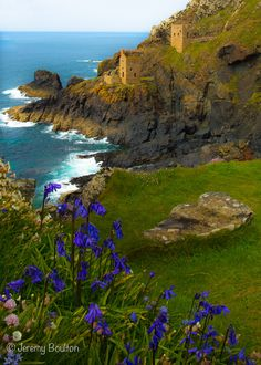 Botallack Mine, near St Just, Cornwall, England St Just, English Countryside, British Isles, London England, Great Britain, Beautiful Landscapes, Places To See, Cool Photos, Beautiful Places