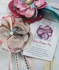 these flowers don't look too difficult to recreate and would be great for a gift topper!