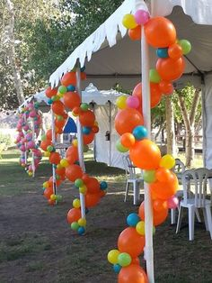 Unusual Decor Balloon Display, Balloon Backdrop, Balloon Pillars, Ballon Decorations, Celebration Balloons, Graduation Party Decor, Outdoor Parties, Diy Party, Party Ideas