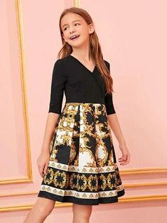 To find out about the Girls Scroll Print Boxy Pleated Dress at SHEIN, part of our latest Girls Dresses ready to shop online today! Kids Pageant Dresses, Girls Dresses Online, Girls Party Dress, Cute Little Girls Outfits, Kids Outfits Girls, Girl Outfits, Tween Fashion, Girls Fashion Clothes, Tween Mode