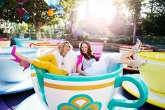 We recently teamed up with fashion bloggers The Girls With Glasses to create the ultimate, beautiful, fantastical Disneyland photo shoot we've always wanted to for Disney Style.