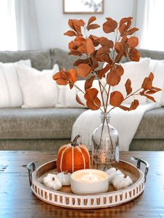 6 Tips to Decorate your Home for Fall Fall Apartment Decor, Fall Room Decor, Fall Living Room, Fall Bedroom, Autumn Coffee, Autumn Decorating, Seasonal Decor, Fall Decorations, Thanksgiving Decorations