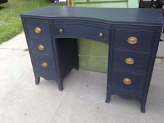 Blue Painted Furniture, Chalk Paint Furniture, Refurbished Furniture, Repurposed Furniture, Furniture Projects, Furniture Makeover, Diy Furniture, Kitchen Furniture, Painted Desks
