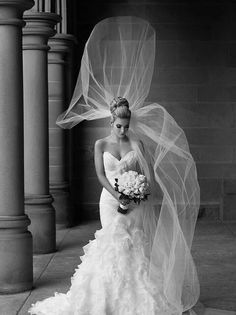 52d76a1eff36 love the bun and veil Bridal Photography