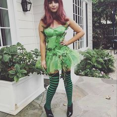 Character: Poison Ivy (Dr. Pamela Isley) / From: DC Comics 'Batman' & 'Gotham City Sirens' / Cosplayer: Sarah Michelle Gellar