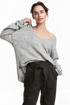 V-neck jumper - Light grey marl - Ladies | H&M GB 1