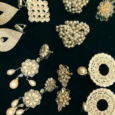 女の子が大好きなものが、たくさんつまっている宝箱💍🌟 . . ブランシュでは、こちらも#madeinitaly にこだわります . . ✴︎メゾンドブランシュは完全ご予約制になっております。 お問い合わせはお早目に。 ☎︎03-3289-4122 . ・・・・・・・・・・・・・・・・・・・・・ #maisondeblanche #weddingdress  #wedding  #dress #bridal #dressshop  #ginza #selectshop  #メゾンドブランシュ #ウェディングドレス  #ウェディング  #ブライダル  #ヘアメイク  #結婚式 #結婚式準備  #花嫁 #プレ花嫁  #ドレスショップ  #セレクトショップ #銀座 #ゲストドレス #ドレス選び #アトリエドマリアージュ #イタリア #アクセサリー #jwellery #ヴィンテージアクセサリー